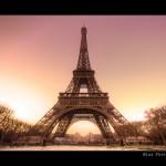 美丽的艾菲尔铁塔摄影照片