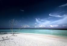 25个漂亮的沙滩桌面壁纸下载