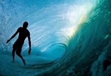 30个捕捉到的冲浪浪花摄影照片