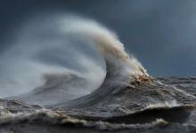 14张唯美摄影——伊利湖的海浪
